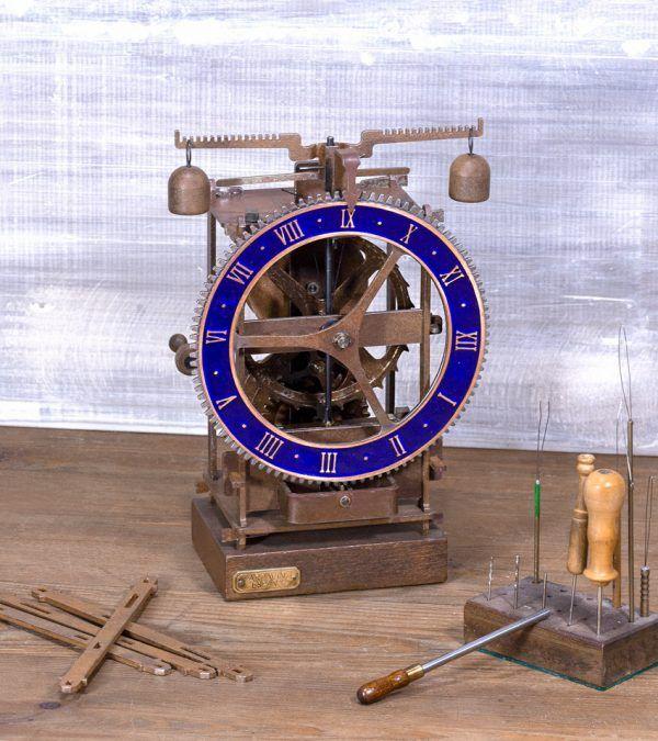 Immanuel Azul Champleve- Reloj mesa antiguo- Ardavín Relojes Siglo XV